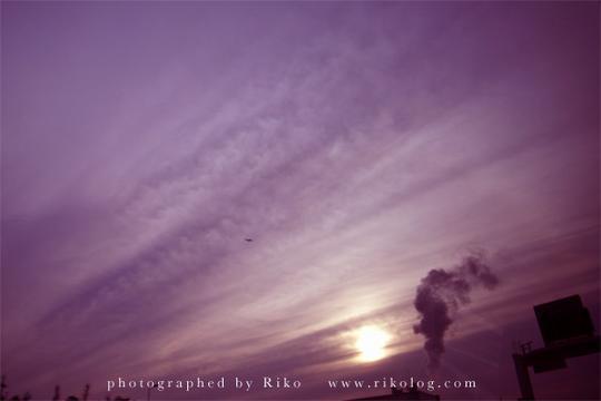 飛行機と雲。